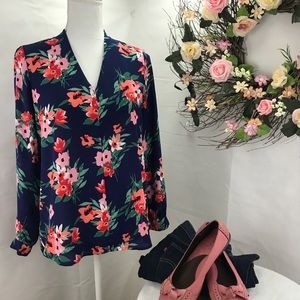 Pleione floral v neck blouse xsp